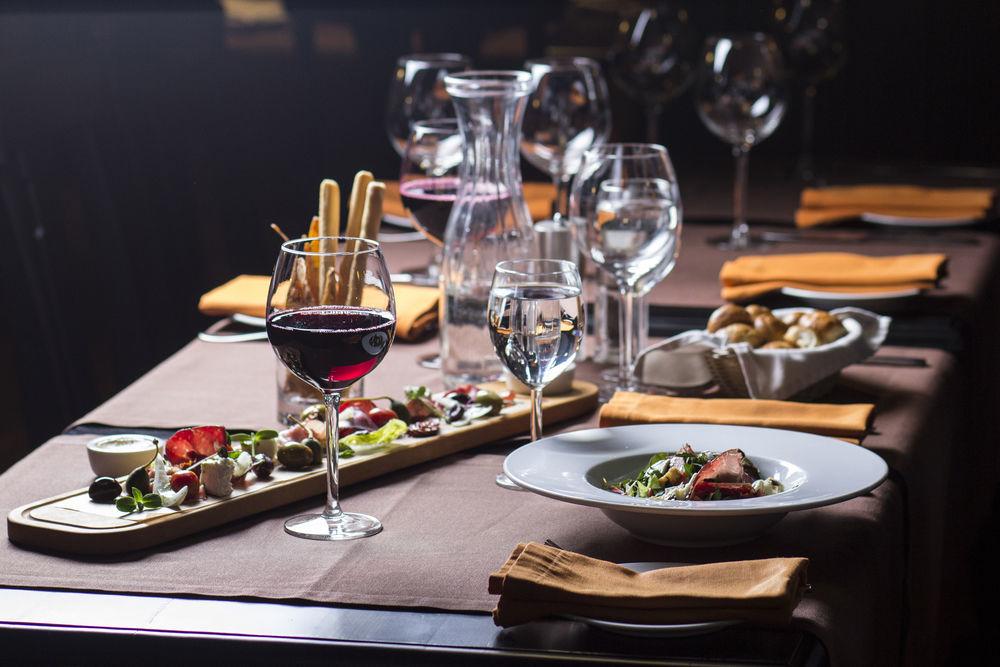 vino kosher in tavola da bellacarne a roma